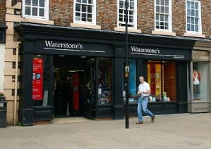 northallertonwaterstonesfatface 300x212 Waterstone UK seller delivers to enter the race e reader
